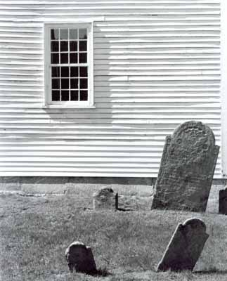 101o_pelham_window_gravemarker